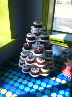 """Tangled"" Cupcakes from Kelli's Vintage Kitchen"