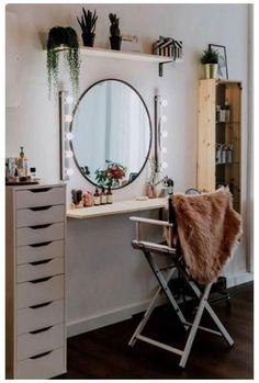 Makeup Room Diy, Makeup Rooms, Diy Makeup Chair, Diy Makeup Area, Diy Beauty Room, Built In Dressing Table, Corner Dressing Table, Dressing Table For Small Space, Diy Dressing Tables
