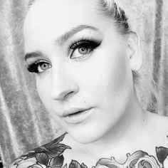 #lookoftheday #makeuplook ❤️❤️❤️ #fashion #fashion #beauty #mua #makeup #redeyeshadow #eyeshadow #look #lotd #gold #style #makeupaddict #beautyaddict #makeupgeek