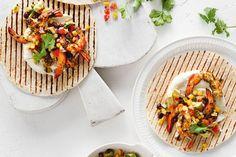 Lime and chilli prawn tortillas. These prawn tortillas are quick and easy to prepare but look so elegant on a plate. Tortilla Recipe, Fajita Recipe, Creamy Garlic Prawns, Chilli Prawns, Mexican Food Recipes, Ethnic Recipes, Savoury Recipes, Mexican Dishes, Delicious Magazine