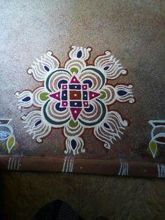 Rangoli Kolam Designs, Rangoli Designs With Dots, Kolam Rangoli, Beautiful Rangoli Designs, Mehandi Designs, Colour Rangoli, Lotus Rangoli, Indian Rangoli, Traditional Rangoli