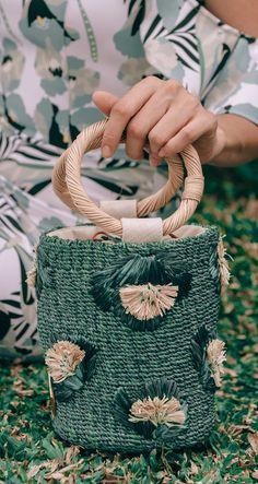Aranáz straw bags