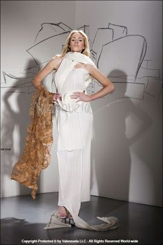 EcoArtFashion by Luis Valenzuela, recycled materials gown inspired in the Architech Frank Gehry