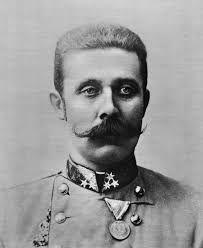 (Graz, 18 Juli 1863 - Sarajevo, 28 Juni 1914) Frans Ferdinand was de troon opvolger van oostenrijk en werd in Sarajevo tijdens een staats bezoek in zijn auto vermoord.