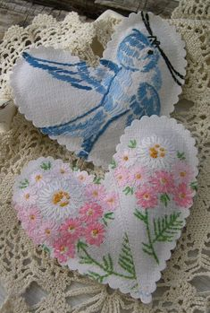 ♥ Good idea for antique linens that have disintigrated .save the embroidery parts. Great for a sachet. Embroidery Designs, Vintage Embroidery, Hand Embroidery, Eyebrow Embroidery, Embroidery Stitches, Embroidery Alphabet, Machine Embroidery, Fabric Hearts, Vintage Handkerchiefs