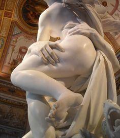 Скульптура «Похищение Прозерпины». Мрамор. Высота 295 см. Галерея Боргезе, Рим. Лоренцо Бернини создал этот шедевр, когда ему было 23 года. В 1621 году. «Я победил мрамор и сделал его пластичным, как воск». Медным зубилом, говорите? http://mylove.ru/groups/naciya/mednim-zubilom-govorite/