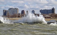 Big waves on Lake Michigan - http://lincolnreport.com/archives/645143