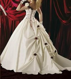 1000+ images about weddingdress / trouwjurken /brautkleid on Pinterest ...