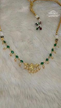 Bead Necklace Designs, Simple Necklace Designs, Gold Necklace Simple, Gold Jewelry Simple, Jewelry Design Earrings, Gold Earrings Designs, Emerald Necklace, Emerald Jewelry, Diamond Jewellery