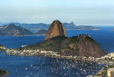 Zuckerhut und Guanabara Bucht. Rio de Janeiro, Brasilien. Foto: Felix Richter Medium Art, Monument Valley, Nature, Travel, Rio De Janeiro, Brazil, Social Media, Naturaleza, Viajes