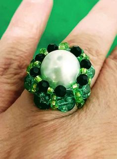 EVERYDAY SEW: ΔΑΚΤΥΛΙΔΙ ΜΕ ΧΑΝΤΡΕΣ Pearl Ring, Jewelry Rings, Pearls, Bracelets, Diy, Bricolage, Beads, Pearl Rings, Do It Yourself