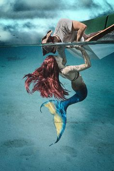 Mermaid luring sailor by Chris Crumley Photographer Sirens, Mythical Creatures, Sea Creatures, Fantasy Creatures, Mermaid Fairy, Mermaids And Mermen, Mystique, Illustration, Merfolk