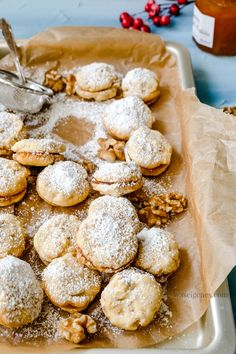Weihnachtsbäckerei: Rezept für Walnuss Aprikosen Plätzchen Best Christmas Cookies, Holiday Cookies, Pretzel Bites, Favorite Holiday, Cookie Recipes, Sweets, Bread, Macarons, Food