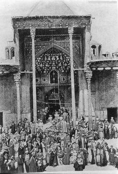 كربلاء .. صورة توثيقية قديمة لمرقد الامام الحسين  عليه السلام  ( اضغط على الصورة لتكبيرها ....)