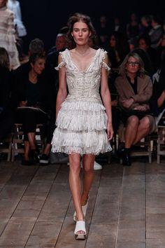 Paris Fashion Week 2015: Alexander MacQueen