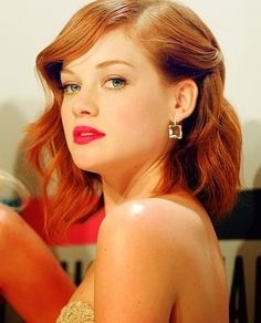 Jane Levy Great length, and color :)  - her make up is lovely too.