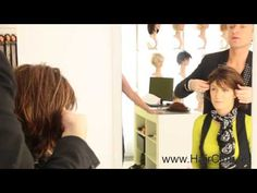 Kyle Kaine from Hairdo USA demonstrating their new selection of synthetic wigs in the Hair Club in Ireland. Wig Companies, Synthetic Wigs, Medical Conditions, Human Hair Wigs, Hair Loss, Wig Hairstyles, Ireland, Conditioner, Presentation