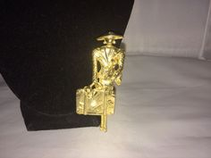 VTG. GOLD TONE 1950's WOMAN IN SUIT WITH DOG/SUITCASE NEW YORK LONG BROOCH~GENT  | eBay