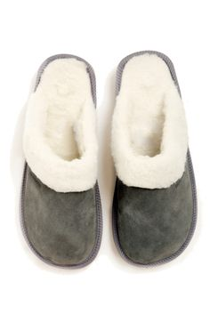 Stay snug and keep your feet cosy this winter. Cosy, Snug, Slippers, Winter, Beautiful, Shoes, Fashion, Zapatos, Moda