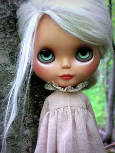 OMG She's like an angel's whisper. Make-up and eyes!!!  blythe
