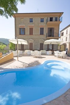 ☼ Tante golose offerte per una bella vacanza a luglio nelle #Marche ☼ So many tempting offers for a nice vacation in July in the #Marche region.  http://www.hotelgrottefrasassi.it/offertissime  #Sassoferrato #Marche #Frasassi