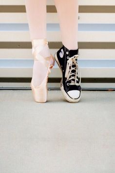 Lets dance, dance with you, dance like no one is watching, dance pictures, ballet Dance Like No One Is Watching, Just Dance, Pointe Shoes, Ballet Shoes, Ballerina Shoes, Toe Shoes, Tumblr Ballet, Fun Photo, Hip Hop
