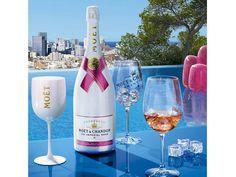 Prepara la bebida perfecta para la temporada con champaña