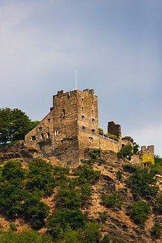 Burg Liebenstein bij Kamp Bornhofen. Het is een van de twee vijandige broers
