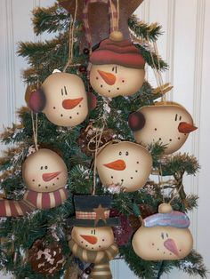 lot of 7 christmas wooden ornaments decoration hangers primitive country