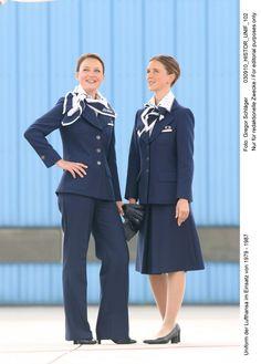 Outfit der Flugbegleiterinnen 1979-1987