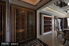 Yahoo奇摩房地產 — 用玄關一決勝負!打造住宅「好門面」的3大提案 Lobby Design, Moroccan Style, Garage Doors, Table Settings, Interior Design, Luxury, Outdoor Decor, Yahoo, Home Decor