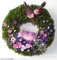Wianek Wielkanocny V - Wielkanoc - wianki - Pakamera.pl na Stylowi.pl Easter Wreaths, Holiday Wreaths, Christmas Mantels, Christmas Decorations, Estilo Shabby Chic, Floral Hoops, Tiny Flowers, Deco Mesh Wreaths, Summer Wreath