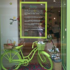 Window display Spray paint an old bike! I can't read the sign but maybe it is the appetizer menu?, Looks great.