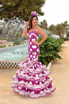 Esperanza de Guadalupe Moda Flamenca Elegant Dresses For Women, Cute Dresses, Beautiful Dresses, Formal Dresses, Beautiful Women, Costume Ethnique, Traditional Mexican Dress, Spanish Dress, Flamenco Dancers