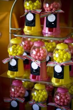 Bubble gum, bubble. Now these are great party favors.