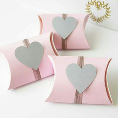 @favourbox_au Diy Jewelry Gift Box, Diy Gift Box, Diy Gifts, Engagement Favors, Toilet Paper Crafts, Baby Shower Tea, Creative Gift Wrapping, Wedding Favor Boxes, Pillow Box