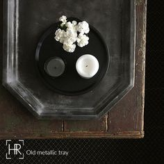 HR_Old metallic tray: