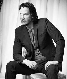 Keanu Reeves' Style Evolution, From Grunge Heartthrob To Ageless Wonder – Celebrities Woman Keanu Reeves John Wick, Keanu Charles Reeves, Keanu Reeves Quotes, Arch Motorcycle Company, Keanu Reaves, Father John, Casting Pics, Smile Face, Man Crush