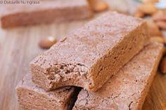 Batoane Proteice cu Aroma de Ciocolata si Nuci Fara Zahar Krispie Treats, Rice Krispies, Gluten, Bread, Healthy, Desserts, Food, Tailgate Desserts, Deserts