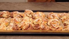 Tareqs kaldhevede kanelboller Tareq Taylor, Pie Dessert, Garam Masala, Bread Baking, Diy Food, French Toast, Bakery, Deserts, Cooking Recipes