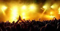 E müzisyen var, şarkıcı var...  İspanya'da vereceği konserin, ekonomik kriz nedeniyle bedava olacağını açıklayan dünyaca ünlü müzisyen kimdir?  A ) Rihanna  B ) Justin Bieber  C ) Jon Bon Jovi  D ) Robbie Williams  Ödüllü yarışmalarımıza hemen katılmak için: www.mrmaana.com  ücretsiz üyelik, sınırsız yarışma hakkı