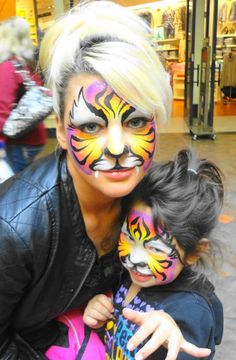 Princesses and Pirates Face Painting - Mommy and baby rainbow tiger!! #schmink #tijger #regenboog
