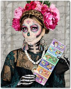 Día de los Muertos is fast approaching and Halloween Makeup Looks, Halloween Kostüm, Couple Halloween Costumes, Day Of Dead Makeup, Day Of Dead Costume, Catrina Costume, Dead Bride, Sugar Skull Makeup, Sugar Skulls