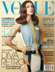 La top Jacquelyn Jablonski, en un top y falda de Fendi, revive el espíritu libre de la década de los setenta en la portada de Enero 2013 de Vogue México. http://www.vogue.mx/magazine