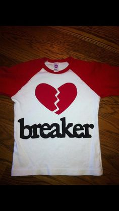 ✅Valentine's Shirt for Boy or Girls - Heart Breaker Shirt (gh ✅ 2016 boys) Valentines Day Shirts, Be My Valentine, Valentine Crafts, Valentine Ideas, Holiday Crafts, Silhouette Cameo Projects, Silhouette Design, Vinyl Shirts, Kids Shirts