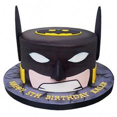 Homemade Batman Cake Ideas That Look Great - Novelty Birthday Cakes Batman Cake Topper, Batman Cupcakes, Batman Birthday Cakes, Novelty Birthday Cakes, 5th Birthday, Roblox Cake, Malteser Cake, Superhero Theme Party, Cupcake Tutorial
