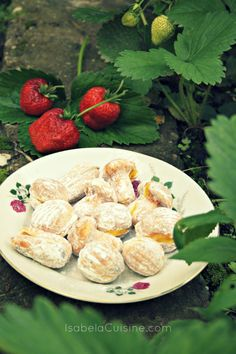 Romanian dessert: walnut filled with vanilla cream Romanian Desserts, Cake Shapes, Vanilla Cream, Life Images, Camembert Cheese, Favorite Recipes, Treats, Cookies, Food
