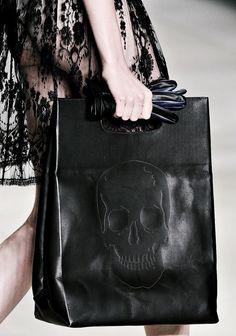 Skull bag,it has a look like a shopping bag.I love it!