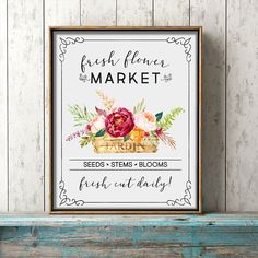 Come on in and check out our latest free printable! Free Printable Farmhouse Fresh Flower Market Wall Art that will make your Gallery Wall SMILE! Farmhouse Wall Art, Cottage Farmhouse, Farmhouse Signs, Farmhouse Decor, Inspirational Wall Art, Flower Market, Free Prints, Fresh Flowers, Printable Wall Art