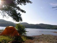 Au bord de la mer, d'un lac ou d'une rivière, voici 10 campings du Québec à faire rêver.